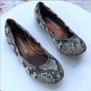 Cynthia Vincent snakeskin flat shoes size 7
